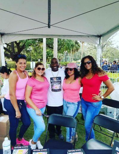 From right to left Maria, Mildred, Nicole, Janine my click who assisted  me at The Orlando book signing event